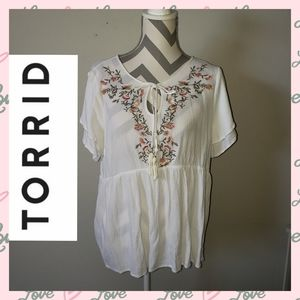 Torrid size 2 white floral embroidery crape top